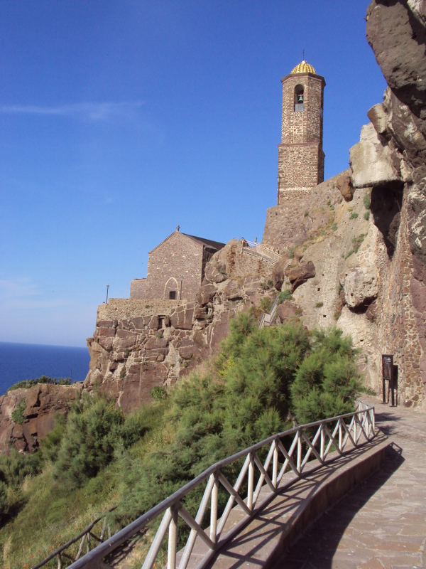 Path to the cathedral of Castelsardo