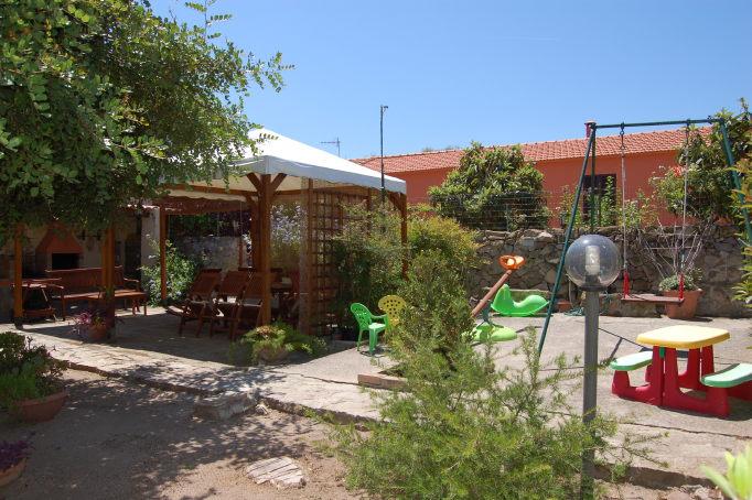 Garden-bbq and playground