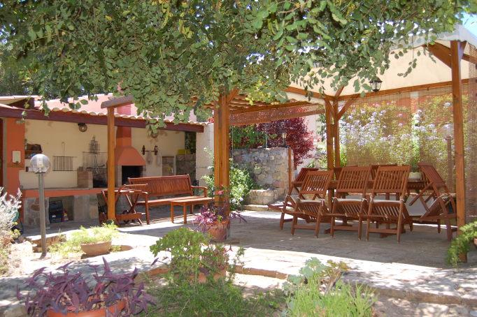 Garden-barbecue area