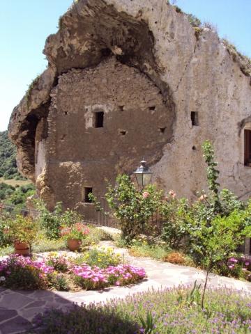 A monument in Sedini